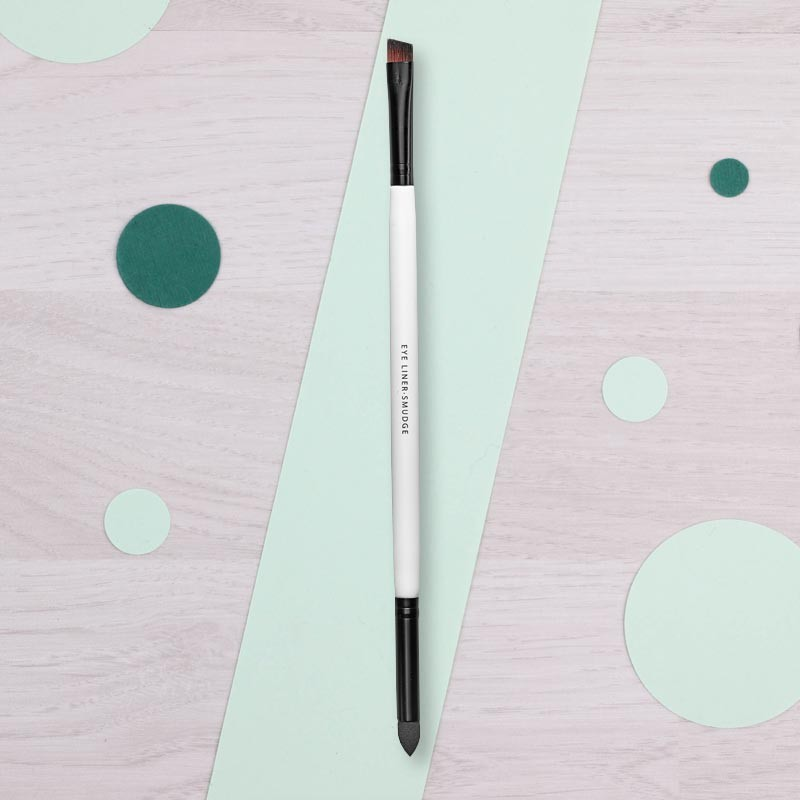 Pinceau Eye Liner & Smudge Lily Lolo | GreenMeow